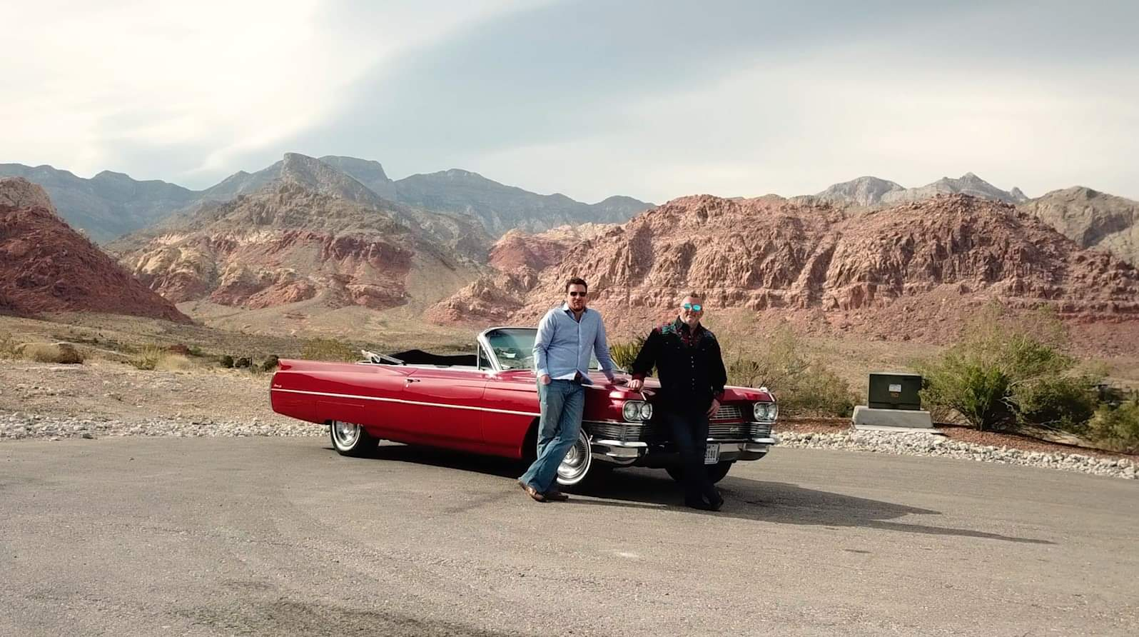 Win this wonderful red Cadillac 1964 by joining the launch